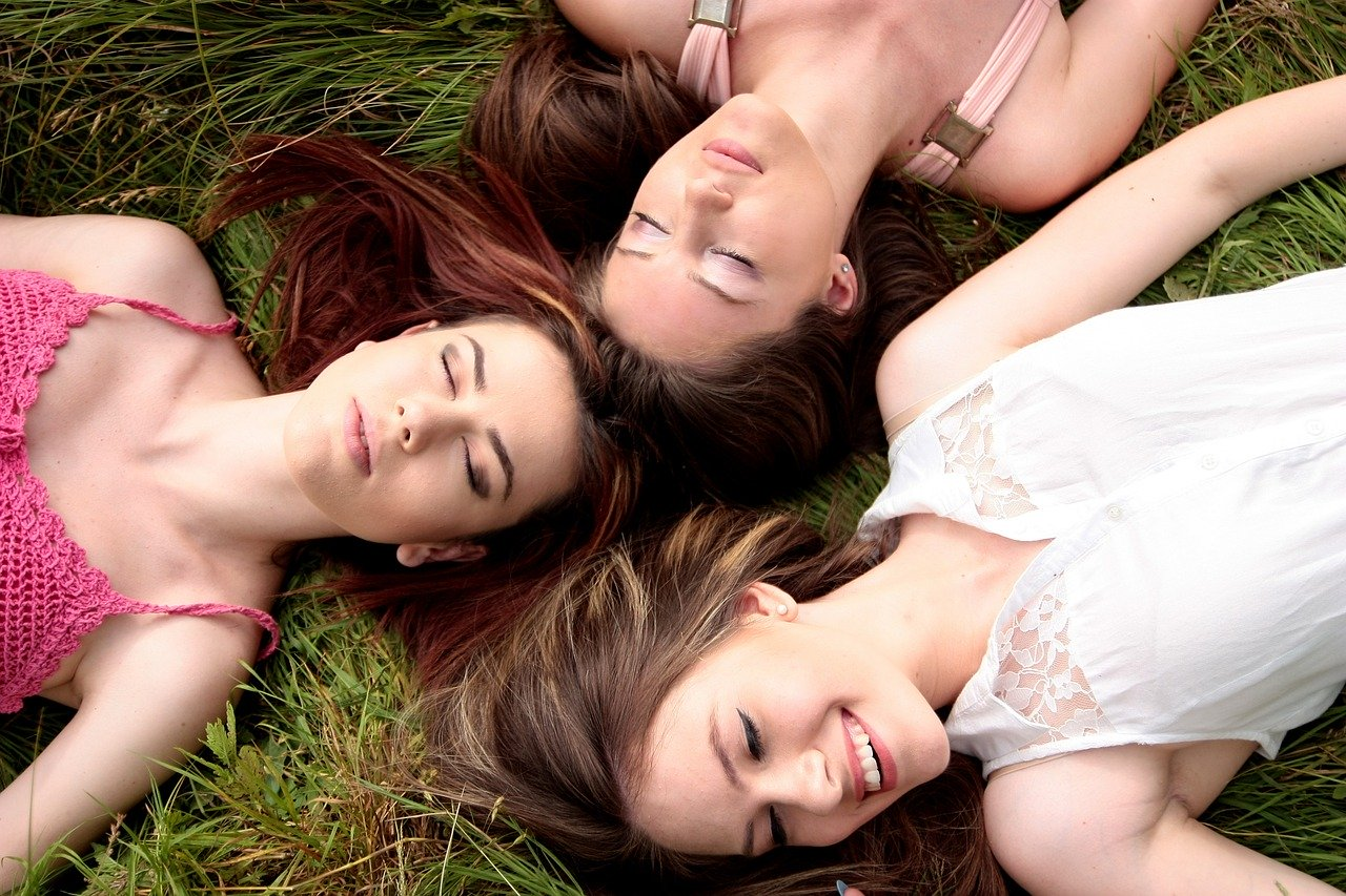 3人の女友達