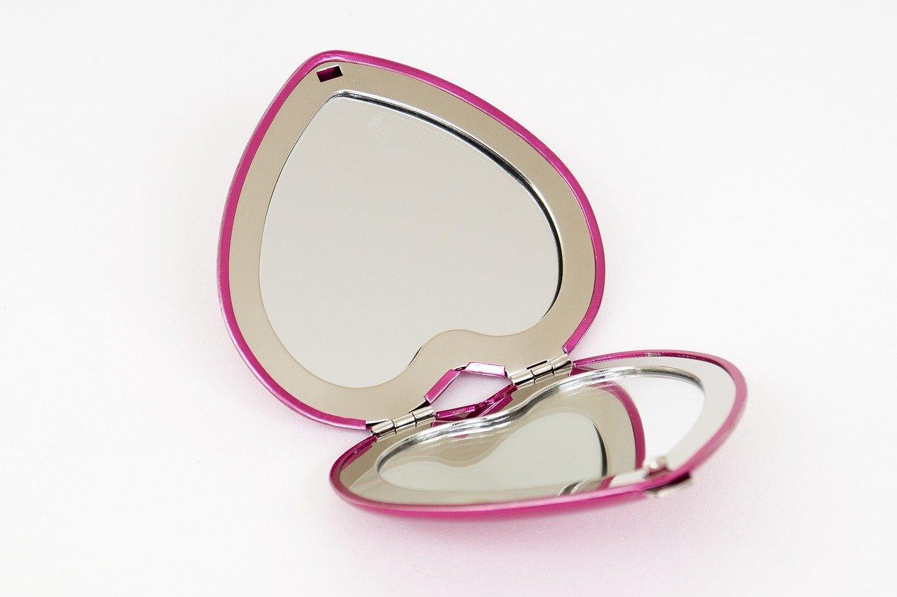 ハート型の鏡