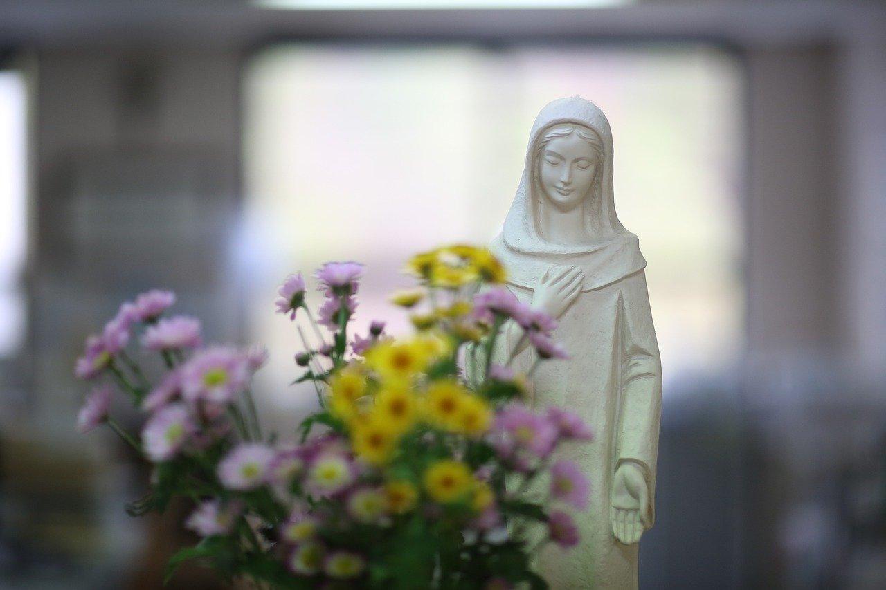 花と聖母マリア