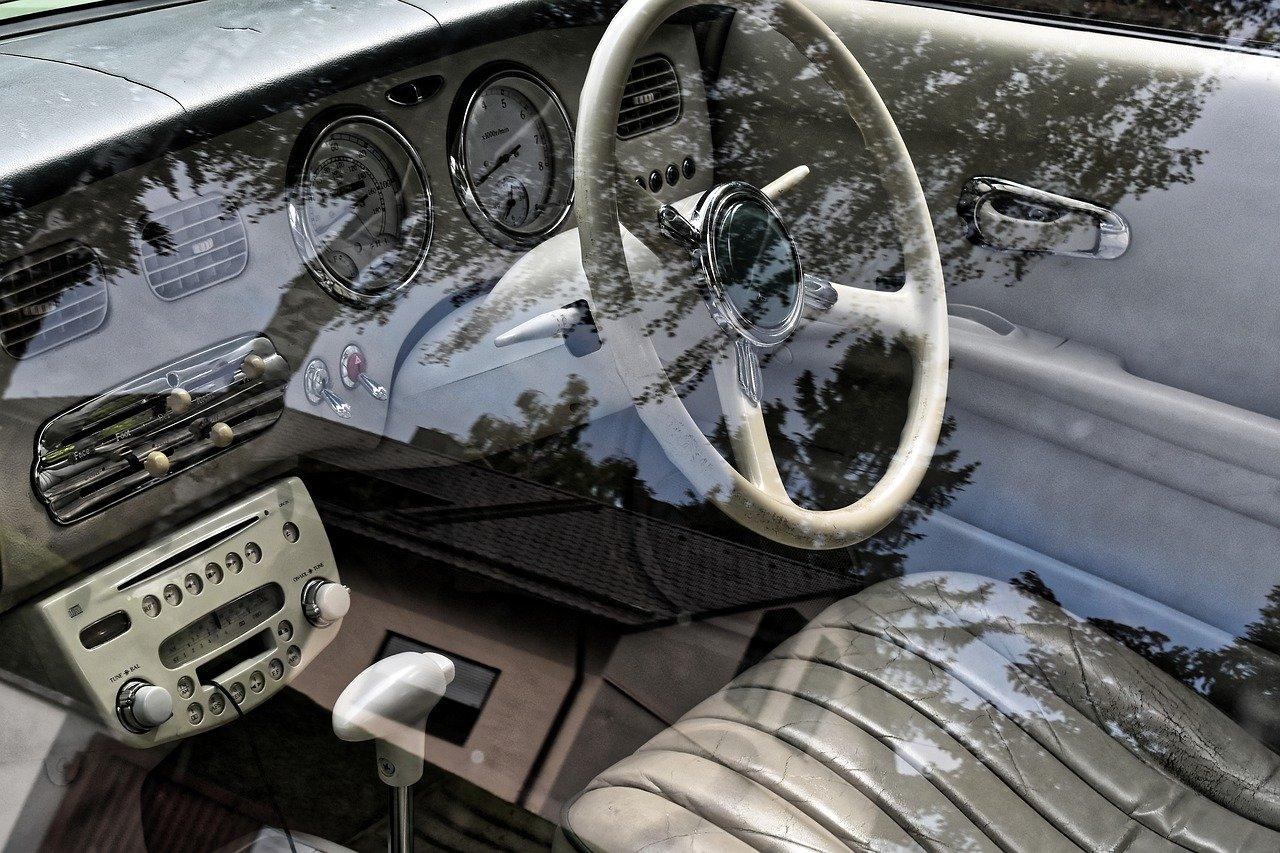 車のインテリア