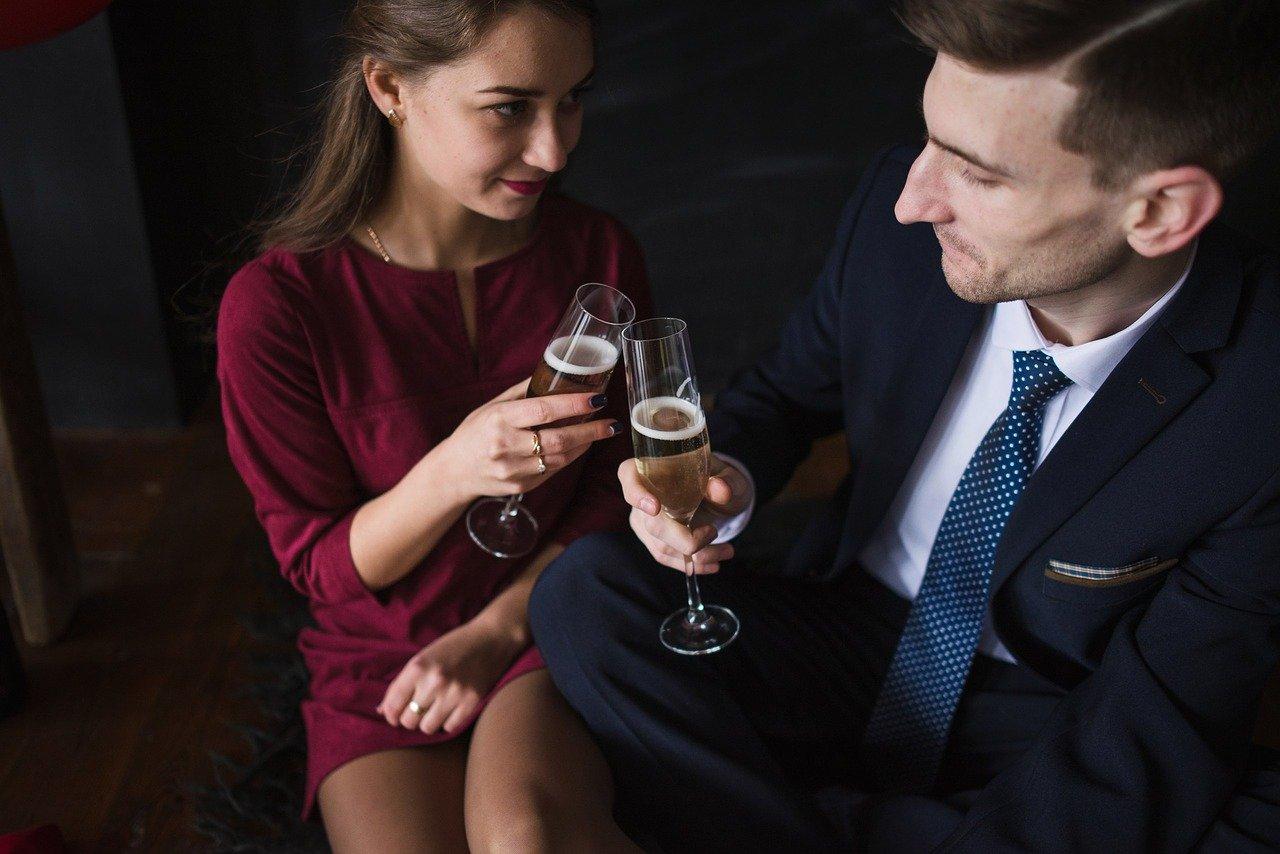 デートする男女